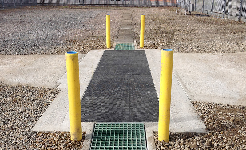 Lightweight composite trench covers